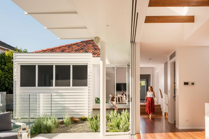 Coorparoo Renovation | Internal + External Living | Queensland Australia | Smith Architects