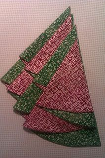 Christmas Tree Napkin Tutorial-easy and classy for a Christmas table