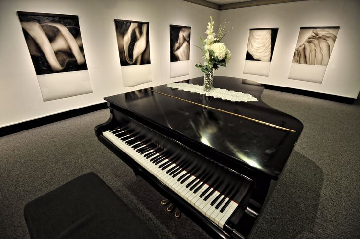 Photography plays the final artistic note