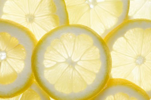 Close-up van enkele schijfjes citroen