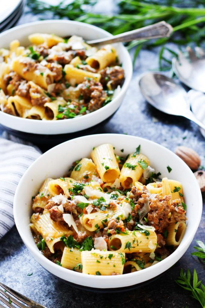 (AD) This White Bolognese Meat Sauce combines beef & Italian sausage in this silky, rich & delicately spiced sauce that's perfect for topping a bowl of pasta! | platingsandpairings.com