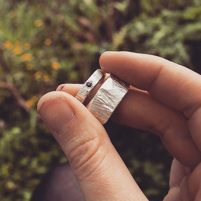 Silver and Garnet  #sterlingsilver #garnet #handmadejewels #texturedring #carved #beadsetting #stonesetting #weddingrings
