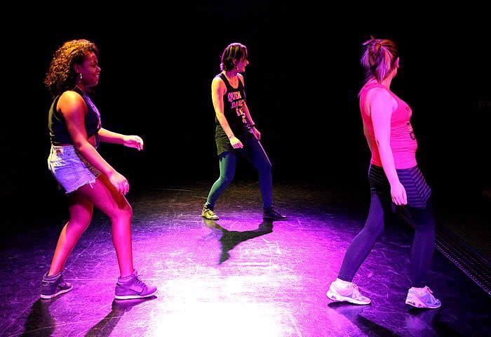 Até 30 de abril, a dançarina e coreógrafa Rogéria Zago ministra encontros no Sesc Piracicaba sobre Experimentações em Danças Urbanas