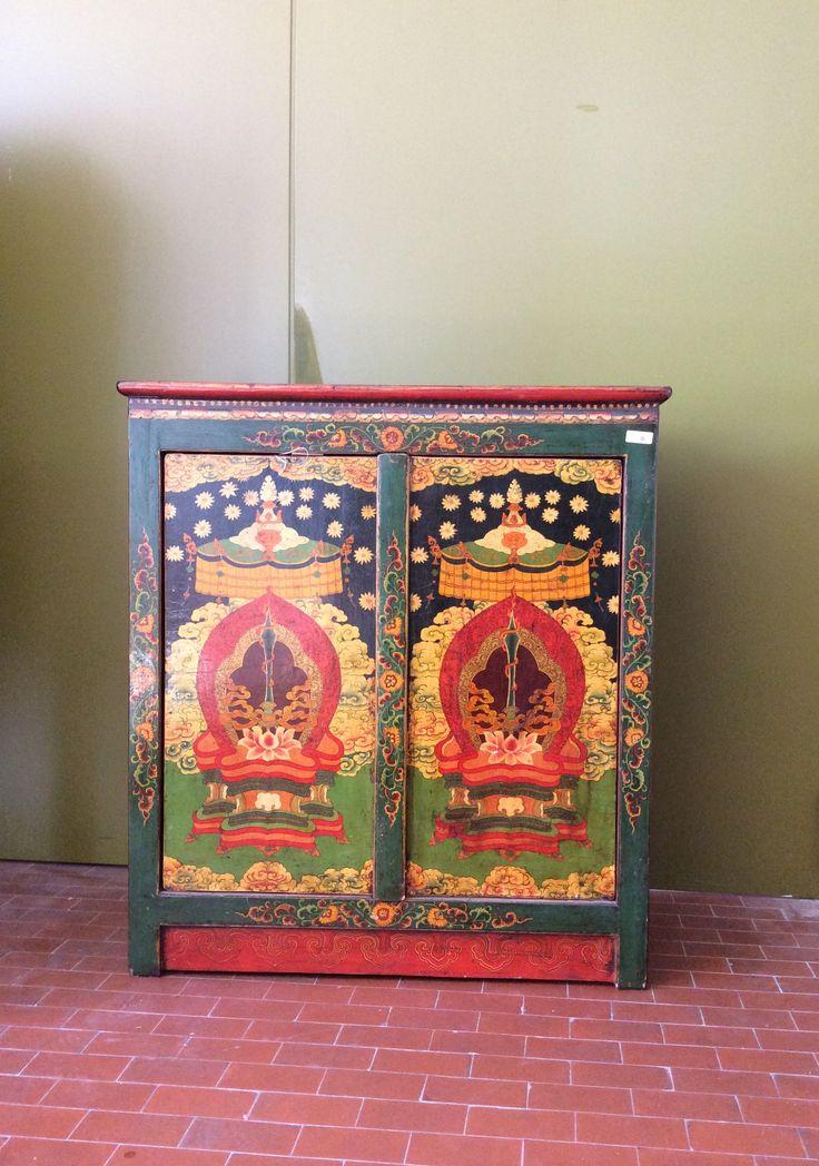 Credenza tibetana a 2 ante OLTREFRONTIERA