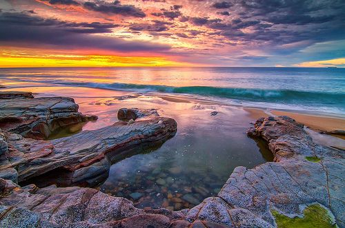 Shorebreak. South Bar Beach (Newcastle, NSW; Australia)