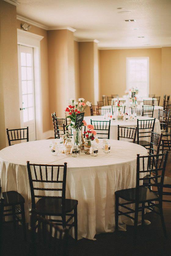 Simple wedding centerpieces. Kendall Plantation Boerne Weddings San Antonio.