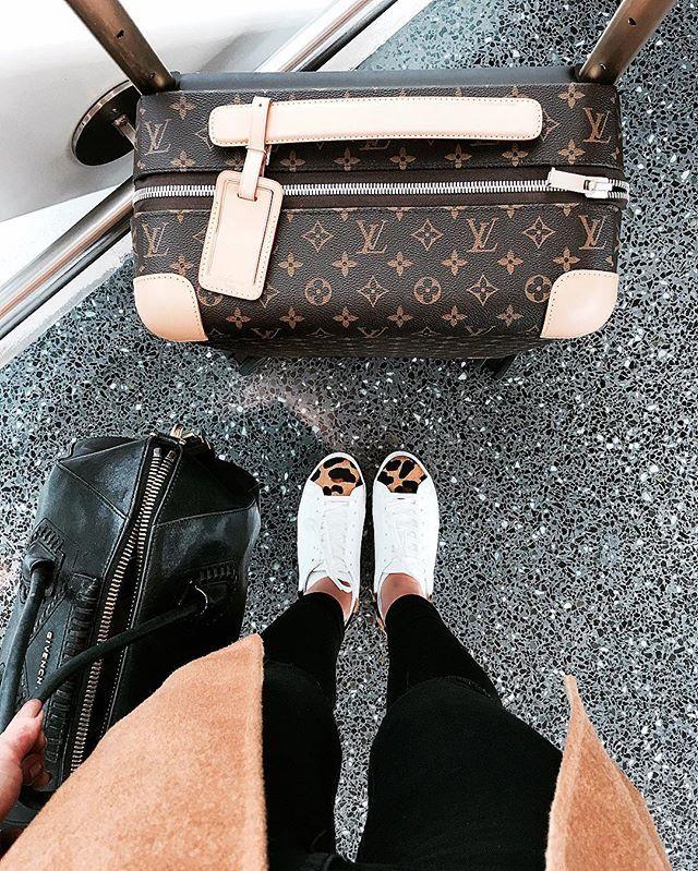 It's that time again!✈️ #airportlife #travel De volta ao aero! Feliz de ter passado uns dias relax em casa #viagem