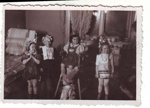 Vintage Photo  Little queen  Little girls Photo  Vintage