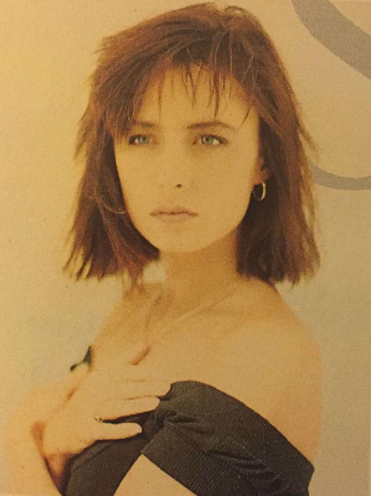 Keren Woodward (born: April 2, 1961, Bristol, United Kingdom) is an English pop singer and songwriter of British girl group Bananarama, co-founded by her school friend Sara Dallin and Irish musician Siobhan Fahey.