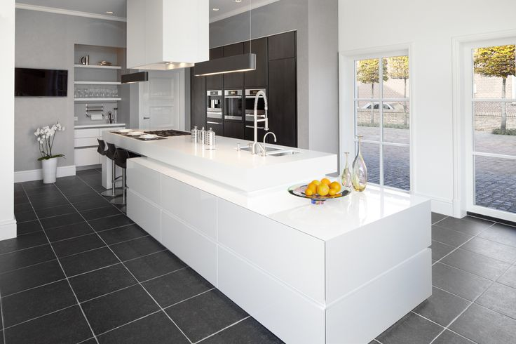 Culimaat - High End Kitchens | Interiors | ITALIAANSE KEUKENS EN MAATKEUKENS - Cubic XL 2011