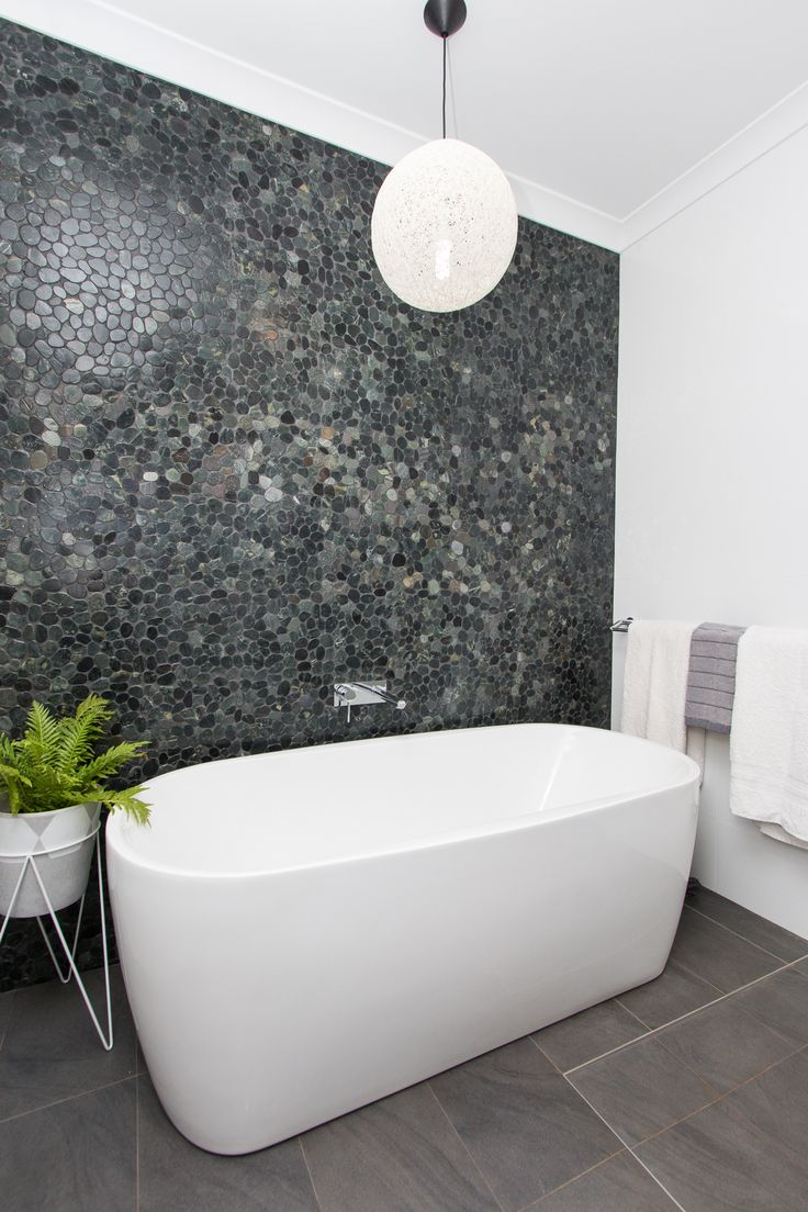 CASCADE ENSUITE BATHROOM - rock feature tiled wall