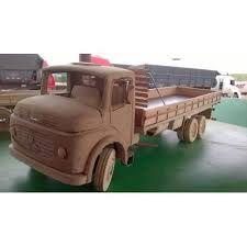 Resultado de imagem para caminhãozinho de madeira como fazer