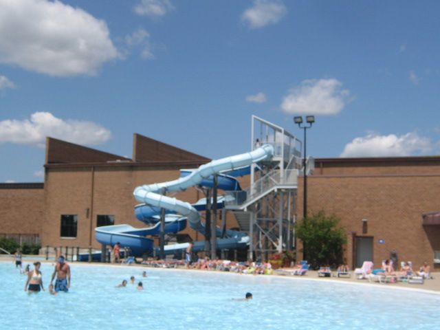 Coral Cove Water Park in Carol Stream | Illinois - on FamilyDaysOut.com