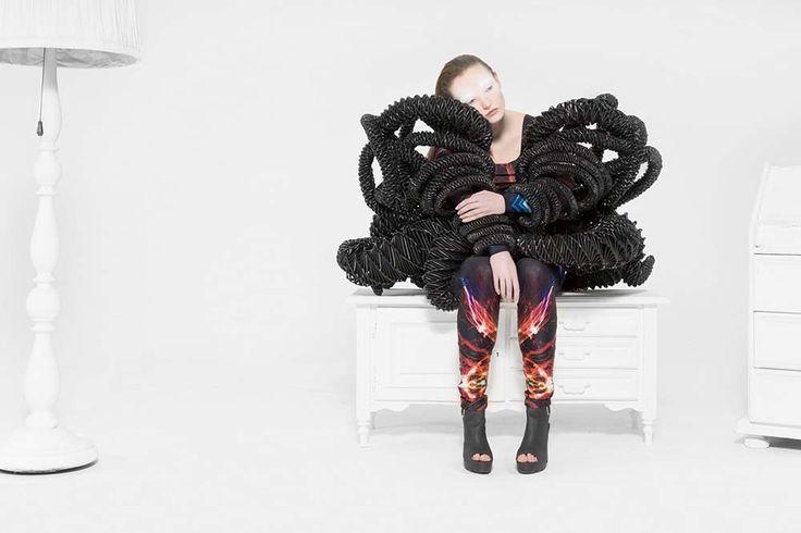 Viva Victoria!   Fashion: Yulia Lebedeva http://www.robertkrischanterhorst.com/en/Viva.html