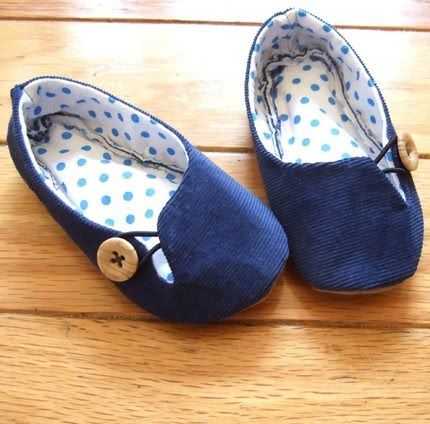 ballet flats tutorial  With all the fabric I have, I need to quit buying slippers. These look cute and comfortable. A little no-slip grip on the bottom and I am good to go.