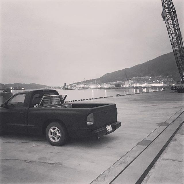 【44yasuhiro】さんのInstagramをピンしています。 《#大船渡#海#ダッジ#ダコタ#晩飯#刺身#有言不実行 #誰か#dodge#dakota#sea#nice#hip》