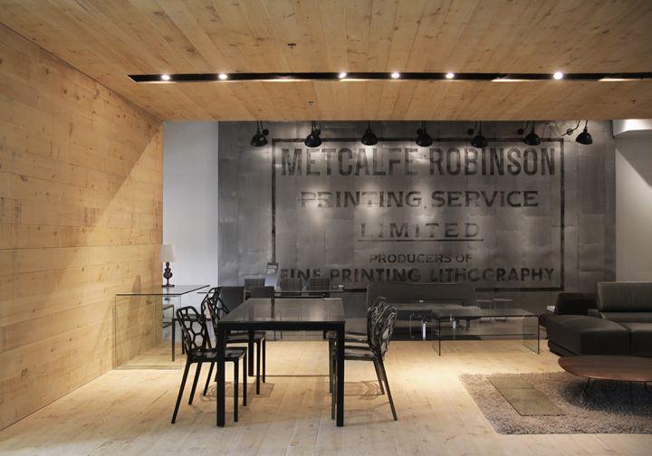 7 best ideas about magasin entrep t warehouse store on for Set de chambre maison corbeil