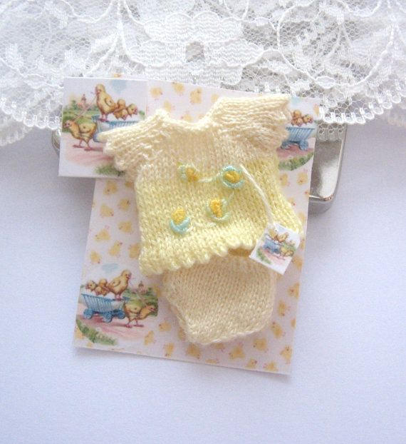 dollhouse knitted baby doll top and pants by Rainbowminiatures