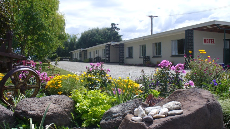 Ranfurly Motels, Ranfurly 150 metres from the Rail Trail.  Self contained units, close to all amenities. http://www.centralotagonz.com/where-to-stay-in-central-otago