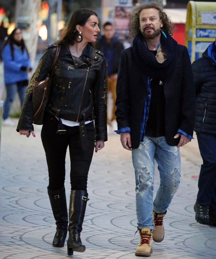 O γνωστός Έλληνας τραγουδιστής με τη νέα του σύντροφο μετά το διαζύγιο!