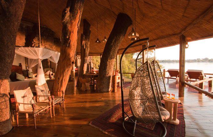 Tongabezi Lodge, um local pra lá de romântico para se hospedar uma casa na árvore. © Tongabezi Lodge #Zambia #momondo