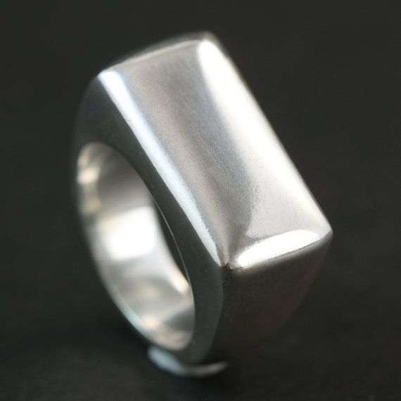 Handmade chunky sterling silver  ring made using the lost wax casting process. By Rebecca Cordingley #unisex #lostwax