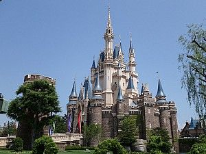 Tokyo Disneyland Crowd Calendar helps you to know the best days to visit the…