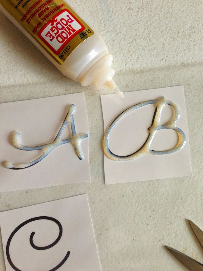 Temporary glass monograms using Dimensional Magic - Mod Podge Rocks