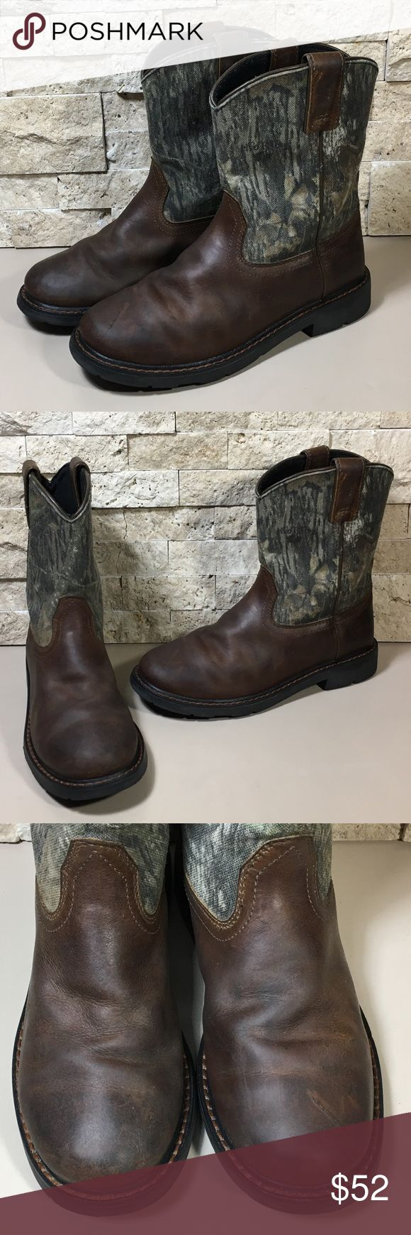 Ariat Siera Boys Cowboy Boots Size 4 Ariat Siera distressed boots. Great preloved condition, please see photos. Boy's size 4, style 10006747. Ariat Shoes Boots