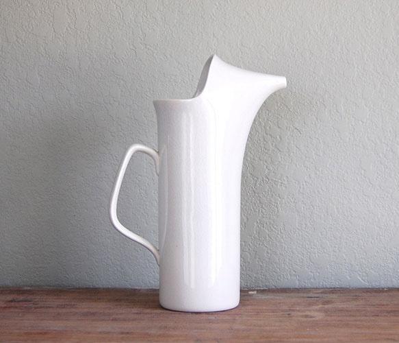 la gardo tackett pitcher ▲ a needle in the hay