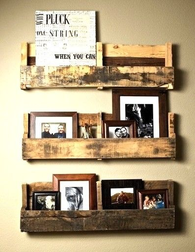 Recycled wood pallet. I love it! I wonder who come up with such great ideas.
