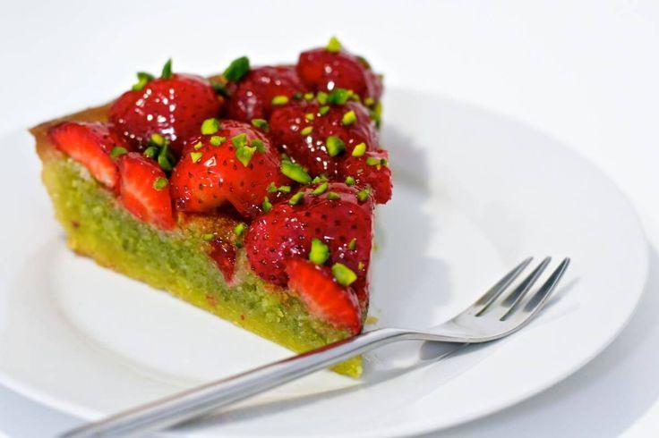 Jordbærtærte med pistaciemasse (Recipe in Danish)