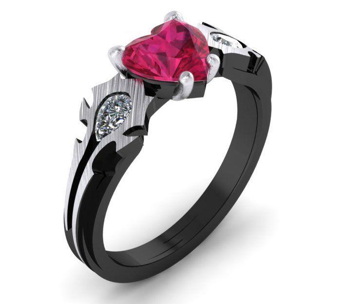 anillo de compromiso con una piedra rosa