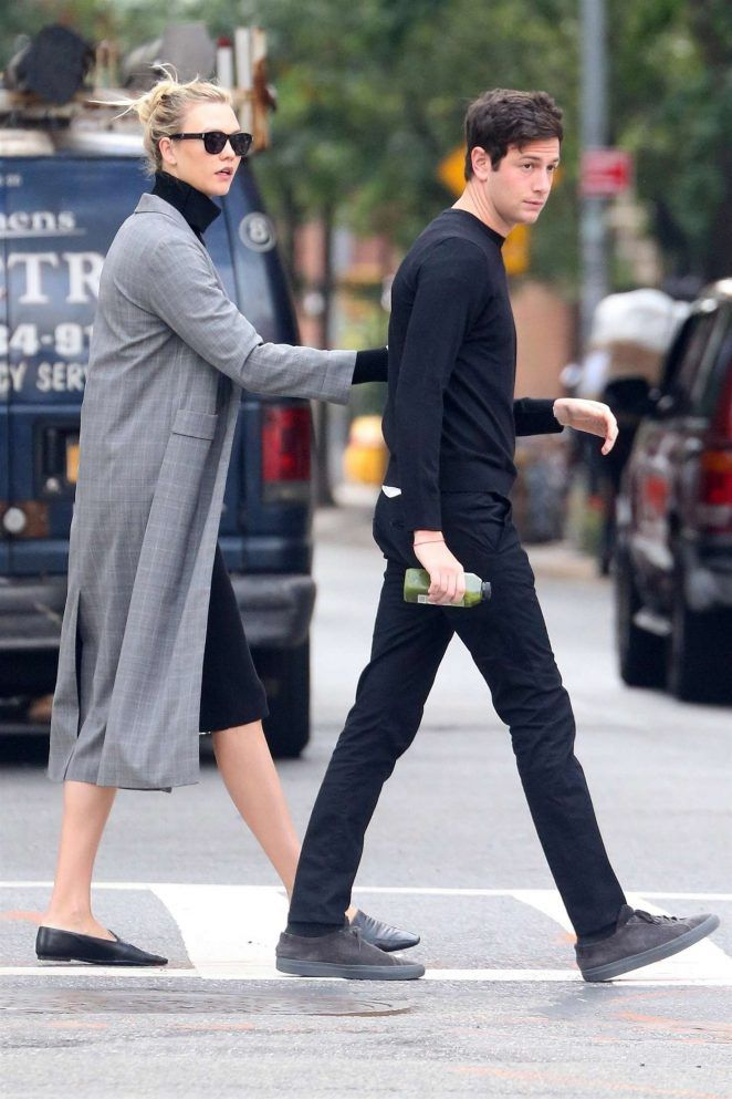 a837897f5ad Karlie Kloss and fiance Joshua Kushner: Out in New York City -05 - GotCeleb