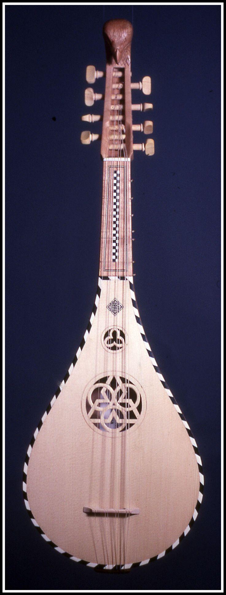 Guitarra Medieval Martini frente