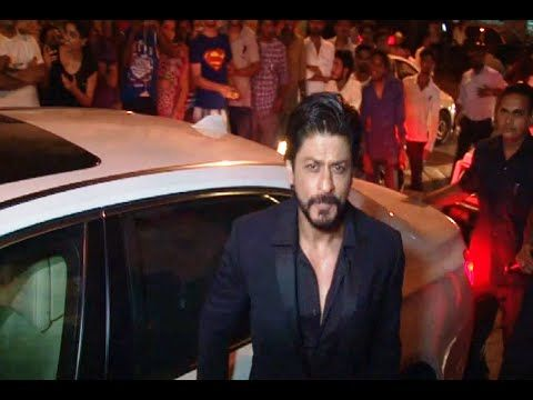 CHECKOUT Shahrukh Khan at Deepika Padukone's PIKU movie success party.  See the full video at : https://youtu.be/OuTjTFGkwUI #shahrukhkhan #bollywood #bollywoodnews