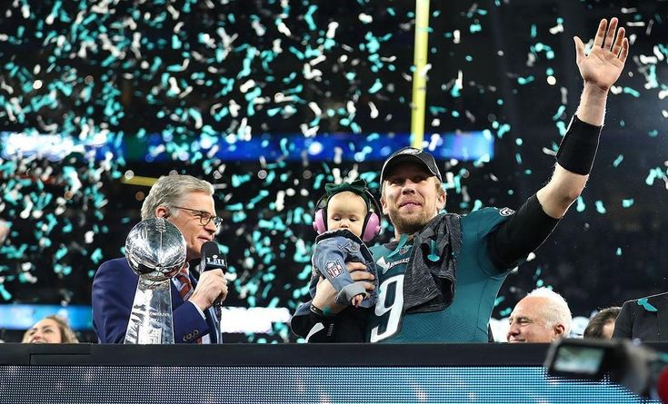According to Ian Rapoport Eagles quarterback Nick Foles is only worth a 4th or 5th round draft pick. Rapoport goes on to add If Alex Smith is worth a 3rd rounder plus a contract extension maybe Nick Foles is a 4th or 5th rounder plus a contract extension.  #NFL #Eagles #Philly #Philadelphia #PhiladelphiaEagles #NickFoles #FlyEaglesFly #BirdGang #BleedGreen #EaglesNation