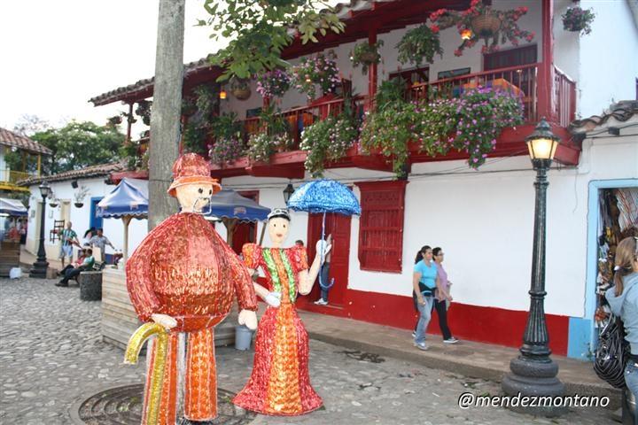 El pueblito paisa, memorias de la cultura de #Medellin, #Antioquia. #FotoDelDia EnMiColombia.com