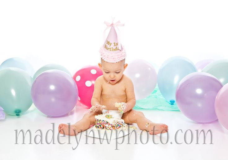 cute.. great way to get more balloons in the background is with NO helium!
