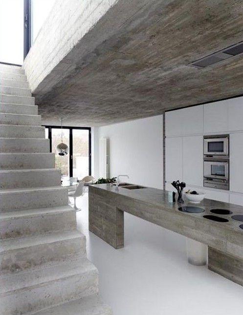 Estrich Der Fußboden Im Industrial Style Für Moderne Küche Weiß Mit  Kochinsel Aus Beton Und