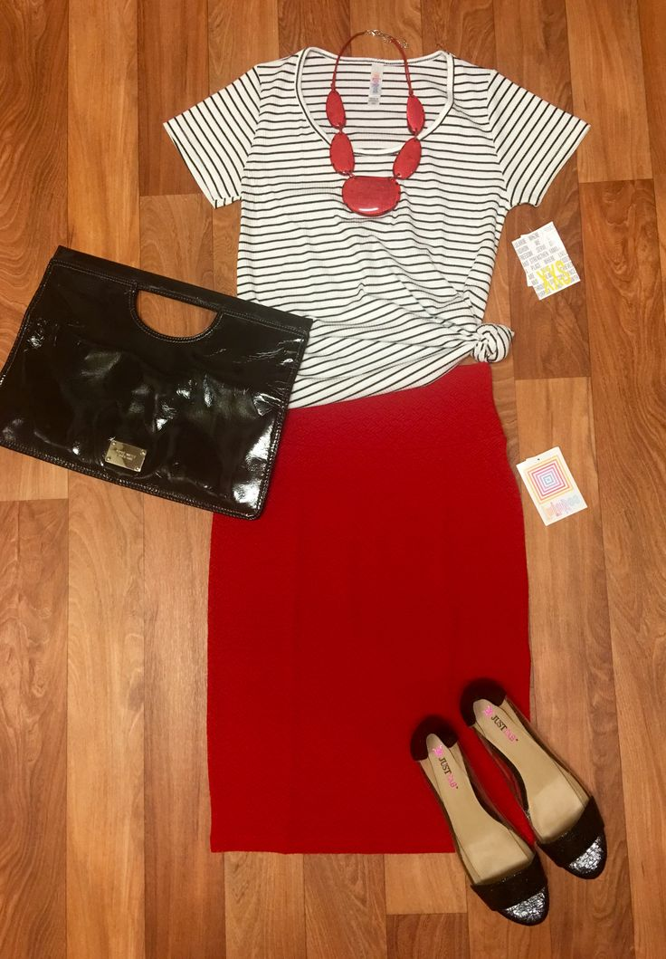 Outstanding 60 LuLaRoe Outfit Ideas https://fazhion.co/2017/03/27/60-lularoe-outfit-ideas/ Tunics are created with leggings in mind. A blouse and pants by way of example will cause you to look short unless... 1). If your black dress has lots...