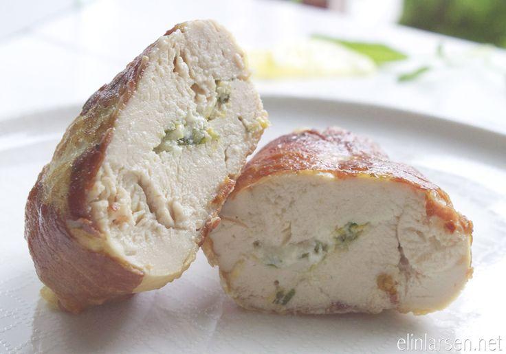 Fylt salviekylling med chevre, sitron og sprøstekt prosciutto