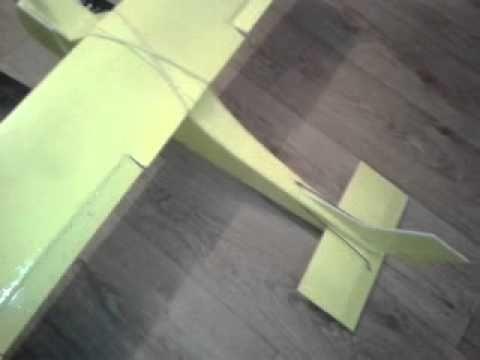 Радиоуправляемые самолеты из потолочной плитки
