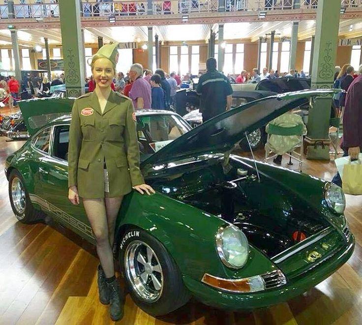 いいね!1,736件、コメント9件 ― Norm Shum's Porsche Passionさん(@porscheregister)のInstagramアカウント: 「Legs 11 #military #green #fuchs #oldtimer #classic #army #legs #early911 #911 #porsche 📷💚?」