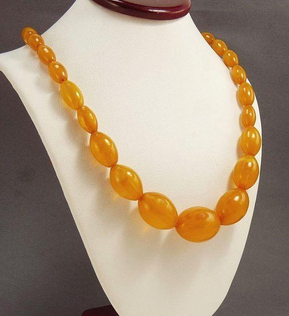 FREE  SHIPPING  Vintage  1940  Bakelite  Bead  Necklace