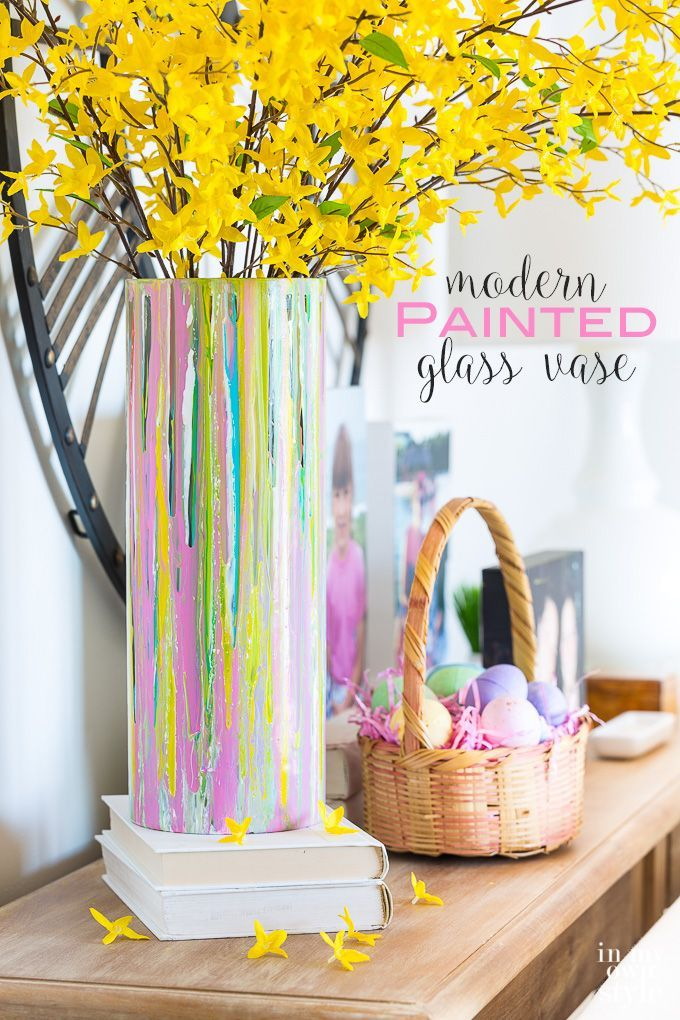 How to paint a glass vase the easy way. No artistic skills needed!  Easter and spring decorating ideas to make  using paint.  #WavelyInspirations #Sponsored