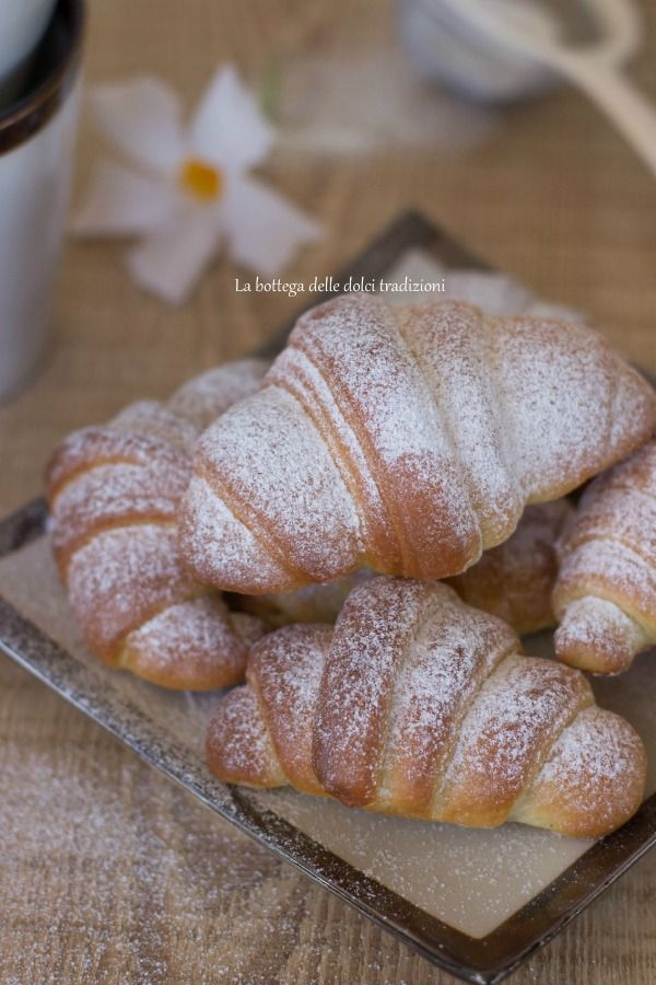 La bottega delle dolci tradizioni: Cornetti brioche