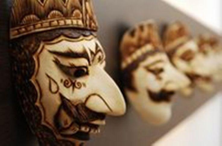 You can find these sundanese masks at Sajian Sunda Sambara www.sajiansambara.com
