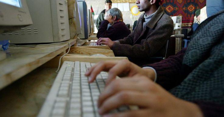 Como alterar um teclado para o idioma árabe. Digitar em árabe é uma ótima maneira de impressionar seu professor de árabe, um empregador ou amigos que falam essa língua. Seguindo alguns passos básicos, permitirá que seu teclado mude facilmente entre os caracteres árabes e português.