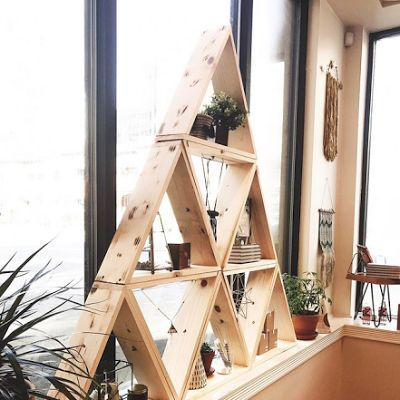DIY Triangle Display Shelf - craft show display prop idea